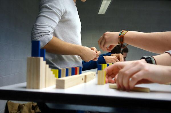 Teambuilding Bauen mit Domino